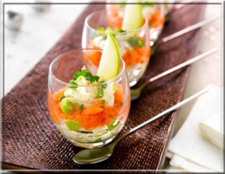 Verrine saumon et pommes petits 28 images verrine for Canape plate definition