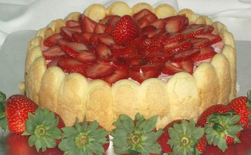 Charlotte aux fraises a vos assiettes recettes de - Jeux de charlotte aux fraises cuisine ...