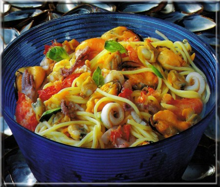 Spaghettis aux fruits de mer a vos assiettes recettes de cuisine illustr es - Spaghetti aux fruits de mer ...