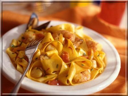 Tagliatelles aux fruits de mer a vos assiettes recettes de cuisine illustr es - Tagliatelles aux fruits de mer recette italienne ...