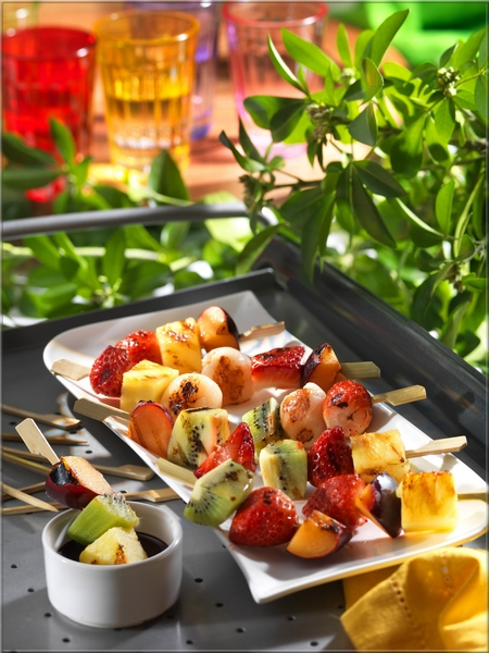 brochettes-de-fruits-grilles_