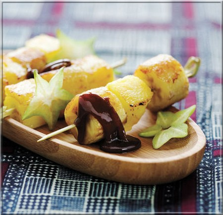 brochettes_ananas_banane_roties_aux_epices