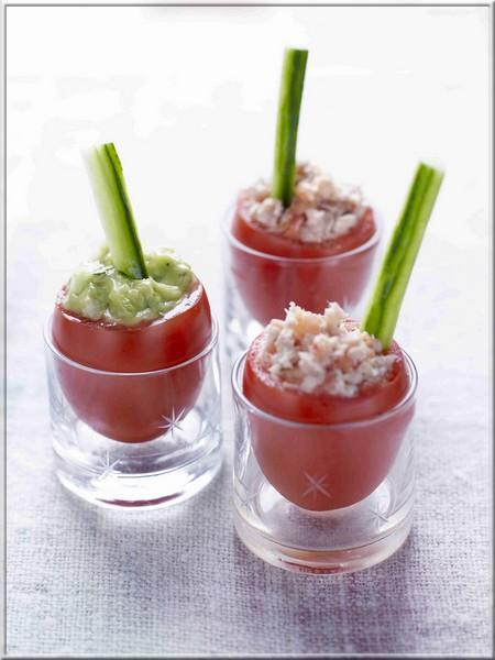 tomates-à-la-coque-mouillettes-de-concombre