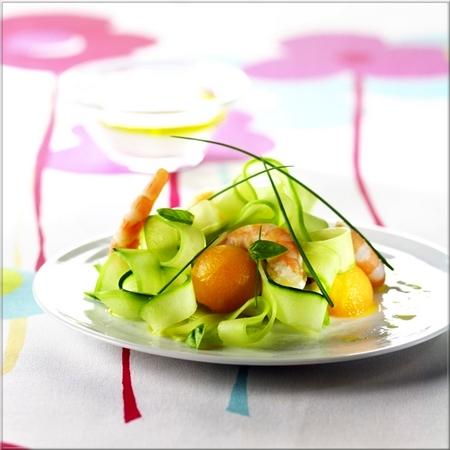 tagliatelles_de_concombre_aux_crevettes_et_billes_de_melon_