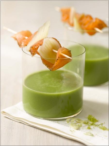 Brochette de gravlaks et cr me de petits pois la citronnelle a vos assiettes recettes de - La cuisine des petits ...