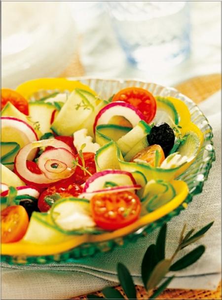 salade-grecque-au-concombre-et-a-la-tomate_