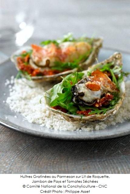 huitres_gratinees_au_parmesan_sur_lit_de_roquette_jambon_de_pays_et_tomates_sechees_