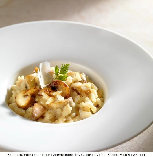 risotto au parmesan et aux champignons a vos assiettes recettes de cuisine illustr es. Black Bedroom Furniture Sets. Home Design Ideas