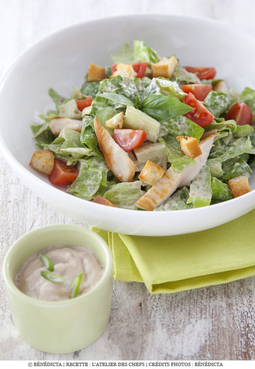 Salade croquante fa on c sar au poulet grill a vos - Recette salade cesar au poulet grille ...