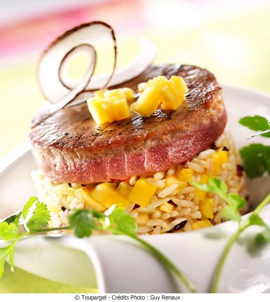 mi cuit de steak de thon aux fruits exotiques et coco a vos assiettes recettes de cuisine. Black Bedroom Furniture Sets. Home Design Ideas