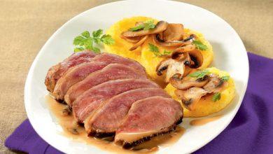 Photo de Filet de canard mariné aux cèpes, Galettes de polenta roties et Poêlée de champignons