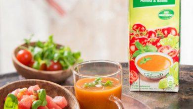 Photo de Soupe froide Tomate, Menthe & Basilic Alvalle® et tartare de pastèque et pignons