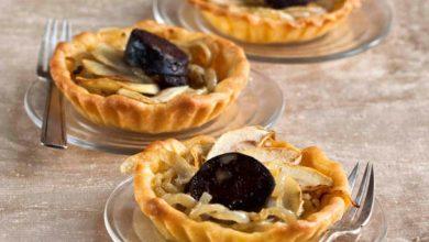 Photo de Tartelette oignons-pommes et boudin noir