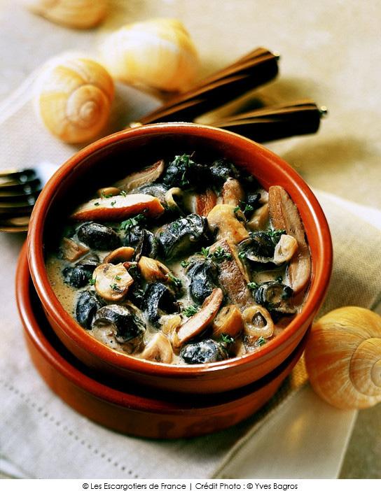 cassolette d 39 escargots au chablis a vos assiettes recettes de cuisine illustr es. Black Bedroom Furniture Sets. Home Design Ideas