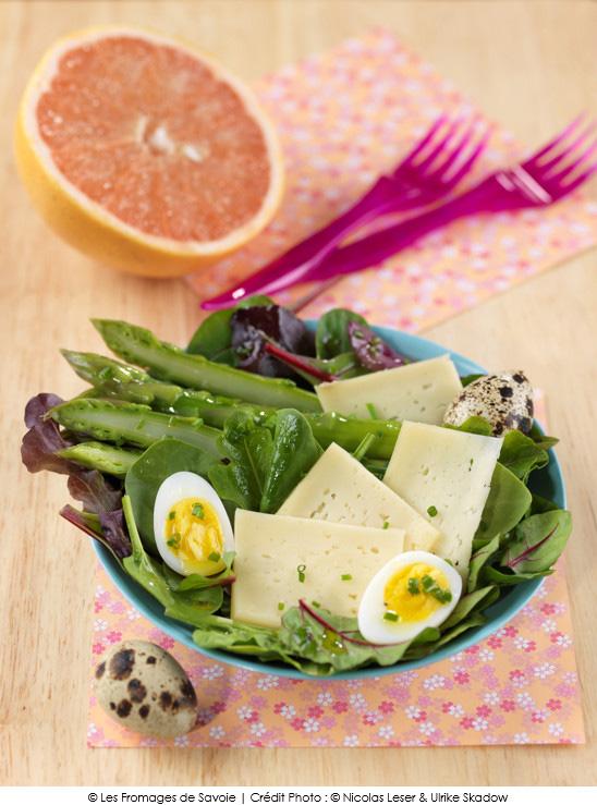 salade vitalit la tomme de savoie a vos assiettes recettes de cuisine illustr es. Black Bedroom Furniture Sets. Home Design Ideas