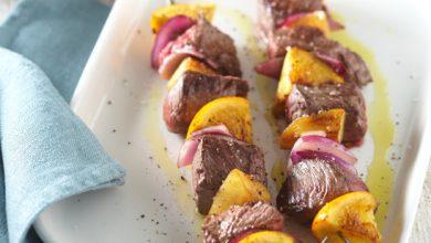 Photo de Brochettes de bœuf à l'orange et aux oignons rouges