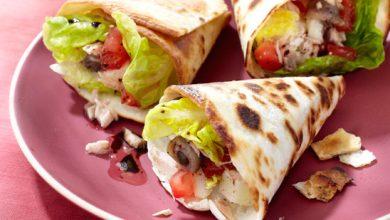 Photo de Tacos façon pain bagnat (tomates, thon, anchois, fromage de brebis)