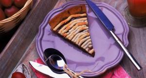 Tarte aux prunes à la macaronade
