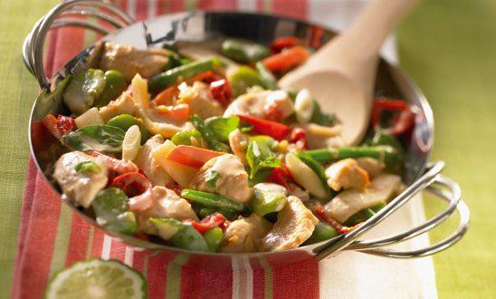Wok de légumes verts au poulet