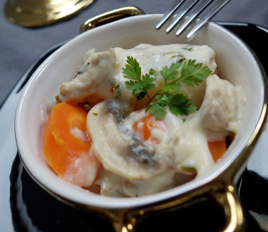 blanquette de la mer aux champignons a vos assiettes recettes de cuisine illustr es. Black Bedroom Furniture Sets. Home Design Ideas