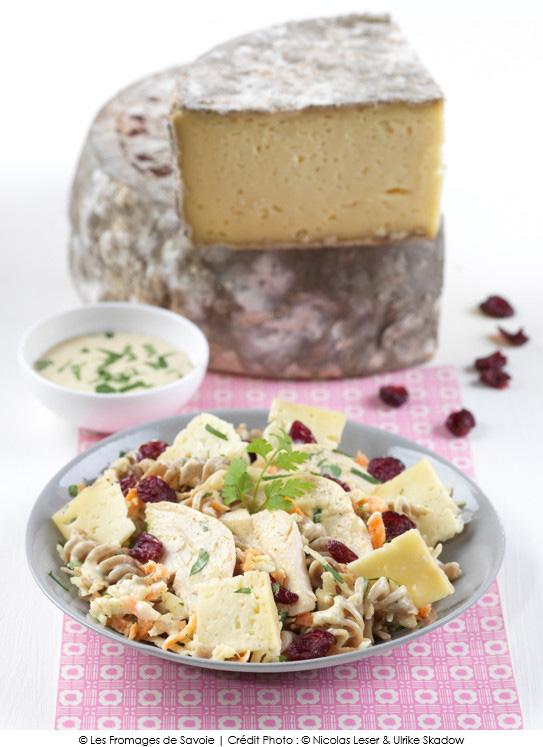 salade trop chou aux lamelles de tomme de savoie a vos assiettes recettes de cuisine. Black Bedroom Furniture Sets. Home Design Ideas