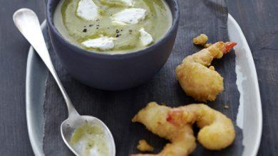 Photo de Velouté froid de courgette au Carré Frais Olives-Touche de Citron, tempura de gambas
