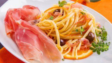 Photo de Linguine à l'orange, olives Cailletier et jambon de Parme