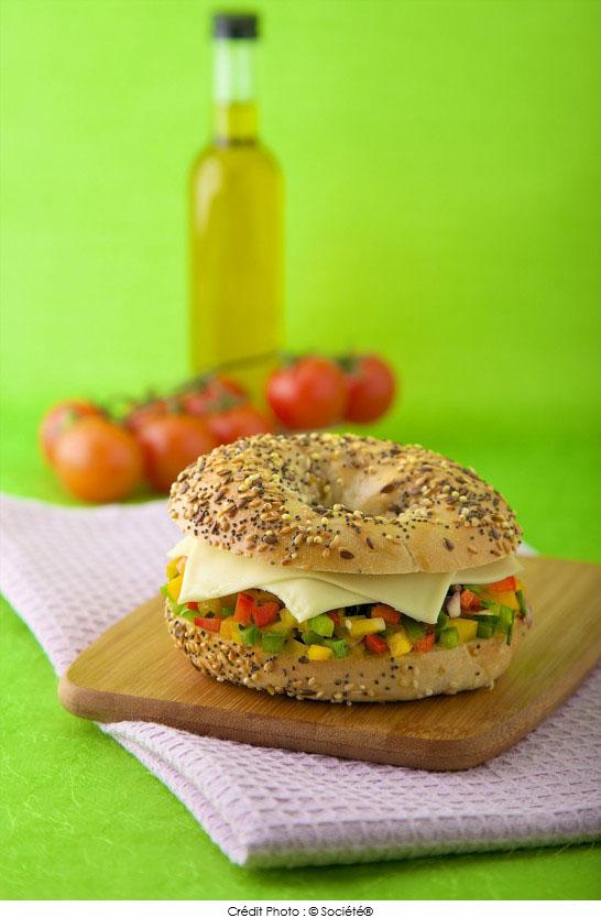 Bagel_vegetarien_au_fromage_roq_croque_societe