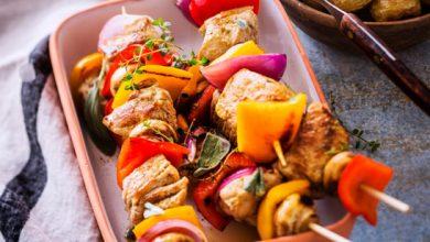 Photo de Brochettes de veau marinées à l'estragon, romarin et au cumin