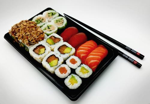 pour f ter les 5 ans de sushi daily kelly vous d voile son plateau anniversaire et vous fait. Black Bedroom Furniture Sets. Home Design Ideas