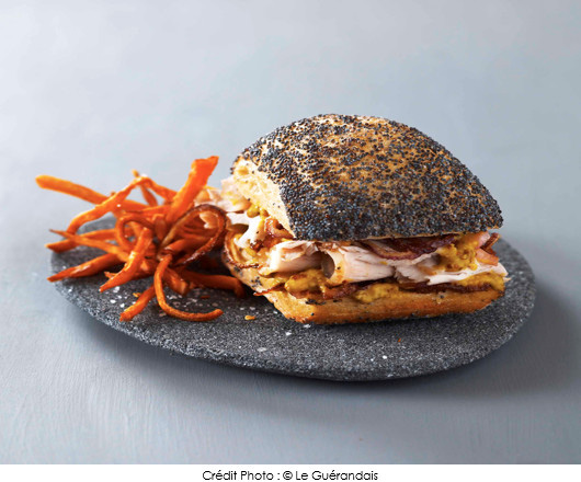 sandwich_de_porc_roti_au_sel_le_guerandais_et_a_la_moutarde_frites_de_patates_douces