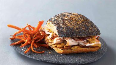 Photo de Sandwich de porc rôti au sel Le Guérandais, et à la moutarde, frites de patates douces