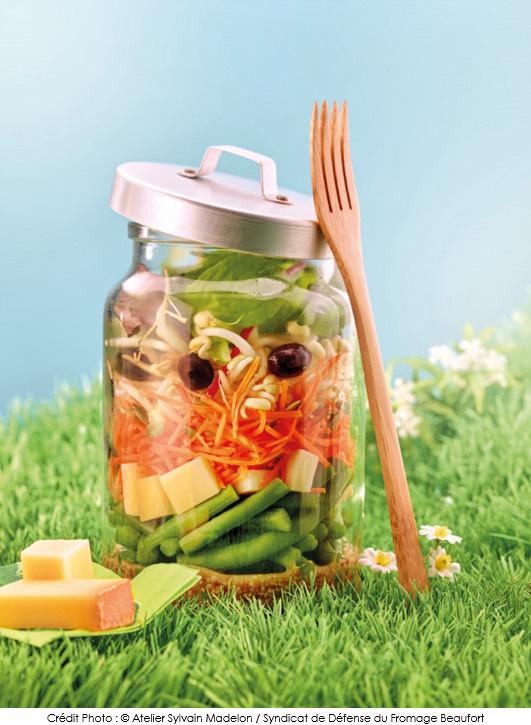 Salade de beaufort en bocal a vos assiettes recettes de cuisine illustr es - Salade en bocal ...