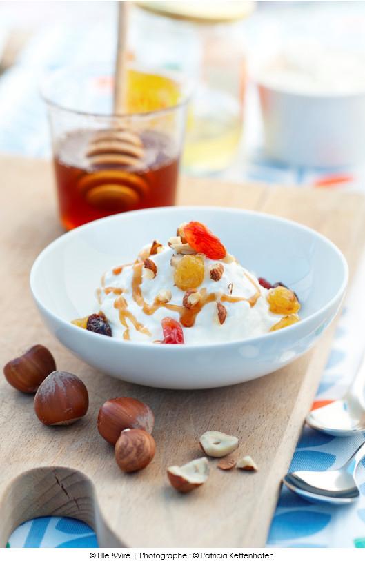 gourmande_faisselle_et_sa_creme_fouettee_miel_et_fruits