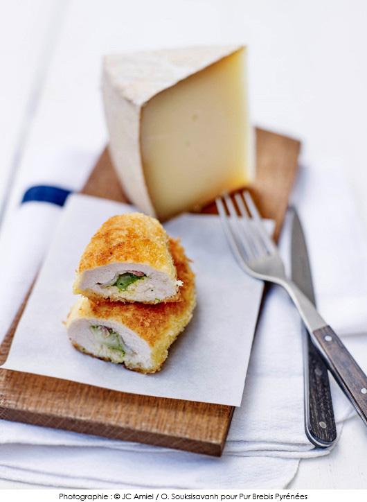 pintade-croustillante-au-fromage-pur-brebis-pyrenees-pesto-estragon-et-noisette