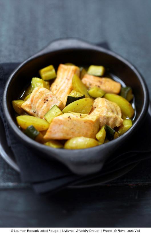saumon-ecossais-label-rouge-aux-courgettes-et-pommes-de-terre-facon-tajine