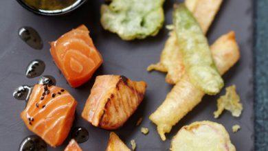 Photo de Saumon écossais Label Rouge mariné juste saisi, tempura de légumes