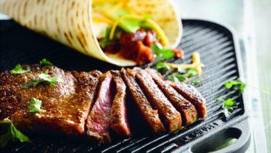 Photo de Tortilla Wrap au bifteck grillé, avocat et sauce aux haricots