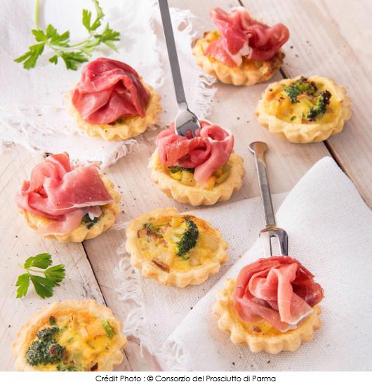 mini-quiches-aux-pommes-de-terre-brocolis-et-jambon-de-parme