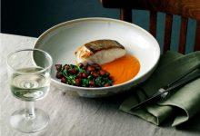 Photo de Skrei rôti sauce aux poivrons, chorizo et olives