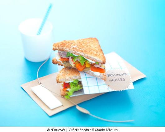clubs-sandwichs-a-la-marseillaise-tapenade-poivrons-grilles-et-maquereaux