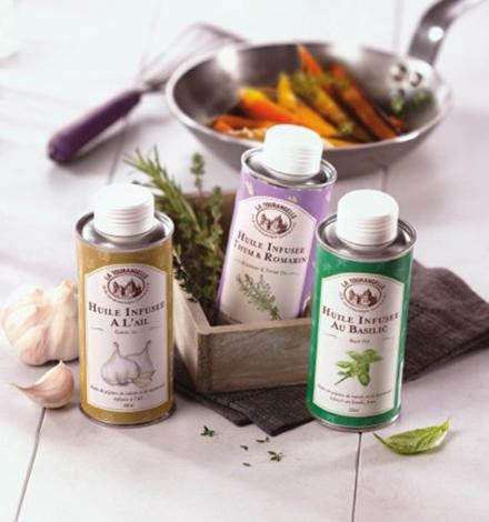 huiles-infusees-basilic-thym-et-romarin-ail-la-tourangelle-2