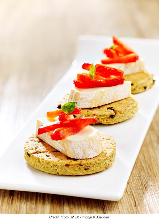 petit-sable-tomate-pesto-et-reblochon