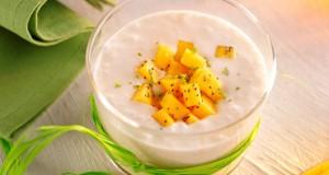 veloute-banane-coco-au-gingembre-et-tartare-de-mangue-au-pavot-2