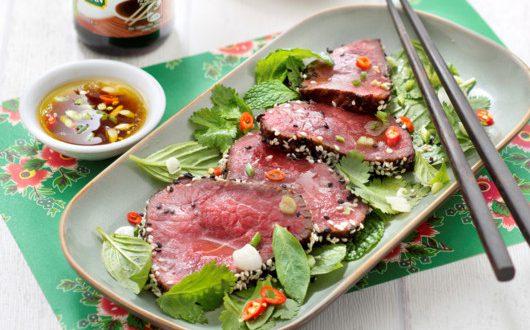 tataki de b uf salade d 39 herbes fra ches a vos assiettes. Black Bedroom Furniture Sets. Home Design Ideas