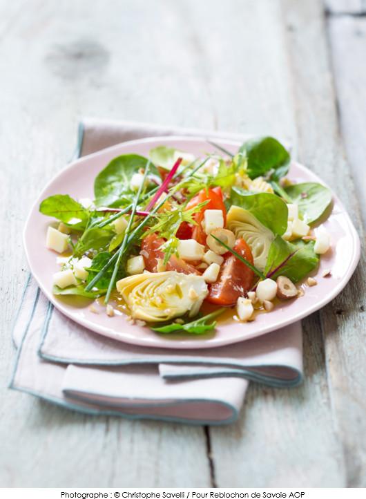 salade-dartichaut-tomates-et-reblochon-de-savoie-aop