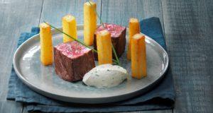 filet-de-boeuf-et-pomme-pont-neuf-avec-ses-dips-de-st-moret-aux-condiments-2