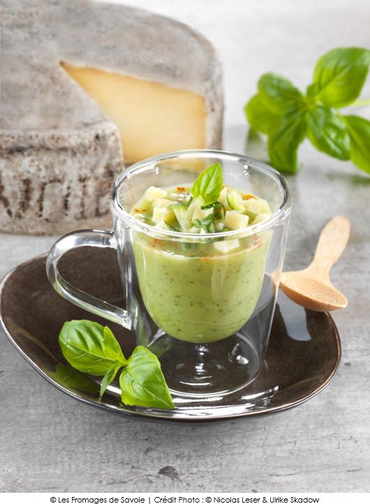 soupe-glacee-de-courgettes-a-la-tomme-de-savoie