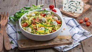 Photo de Salade de spaghettis au Roquefort Société®, courgettes, pignons et tomates cerise