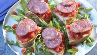 Photo de Bruschetta à la concassée de tomates et à la saucisse de Morteau